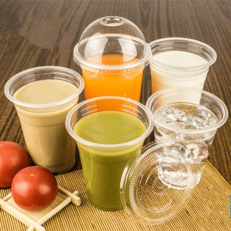 Disposable Smoothie Plastic Cups With Dome or Flat Lids.